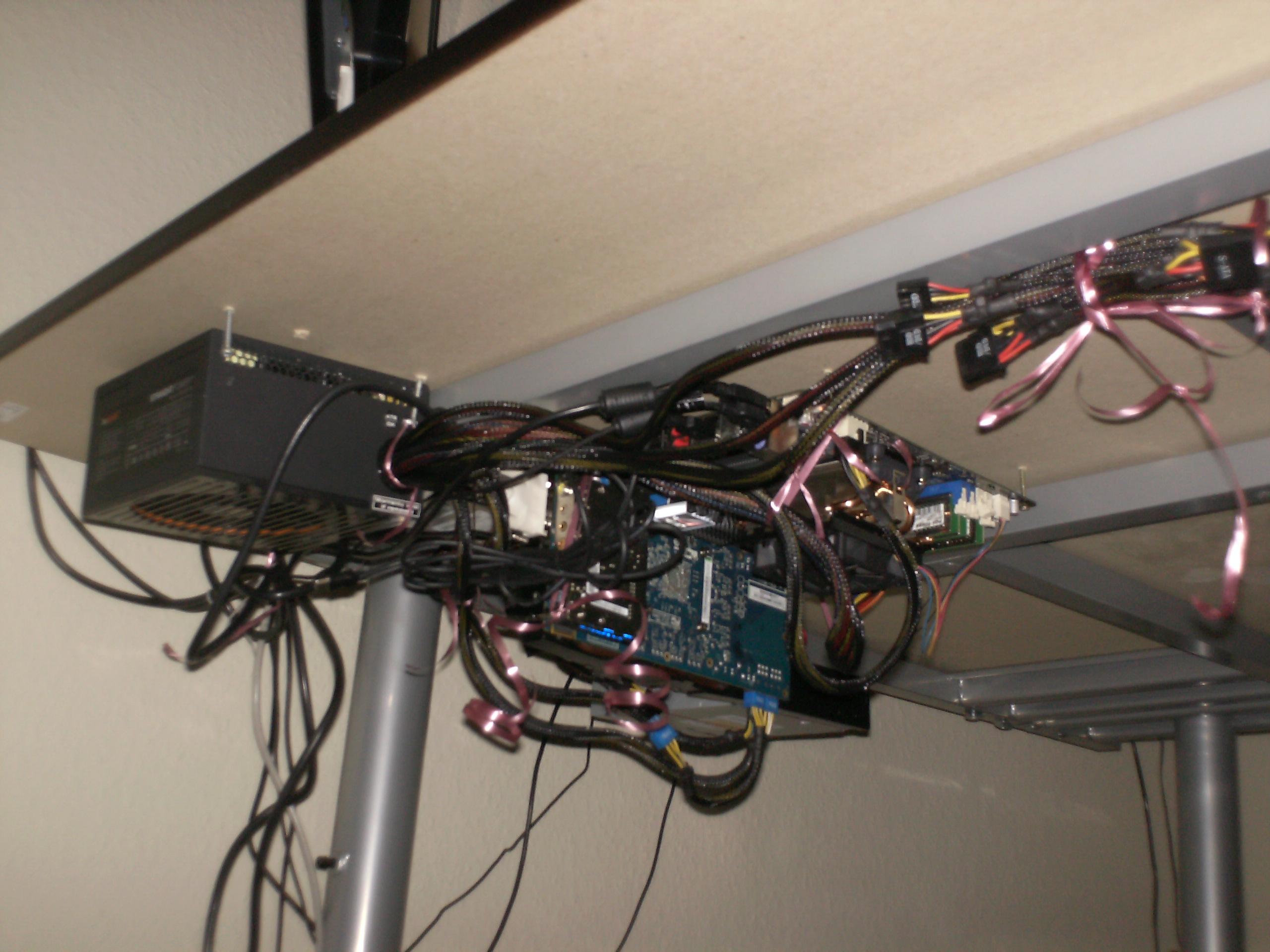 Der Pc Im Schrank So Wird Der Rechner Unsichtbar Mod Projekt