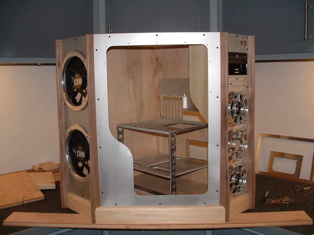 Eigenbau m bel badezimmer schlafzimmer sessel m bel for Tv panel selber bauen