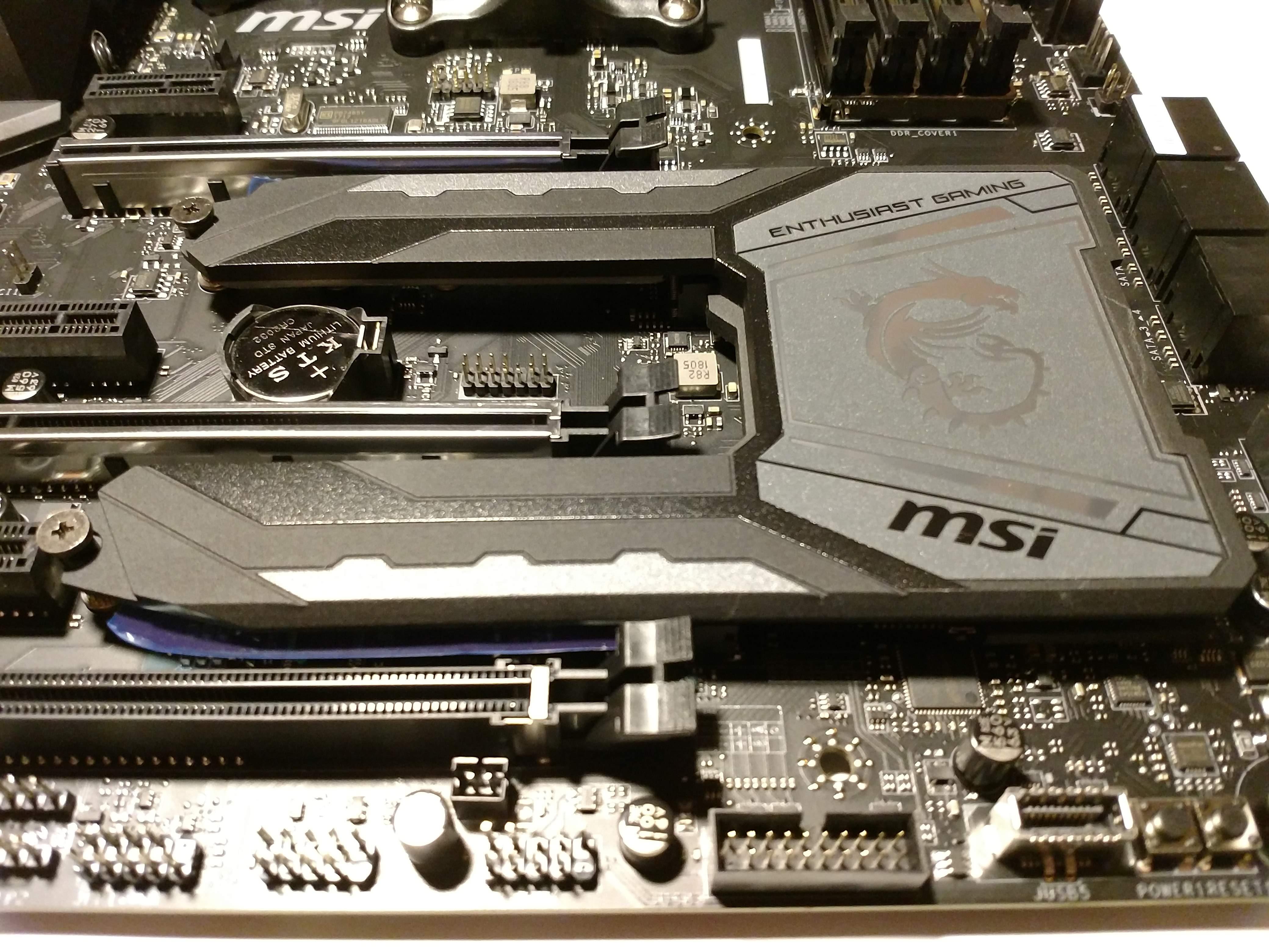 Klicken Sie auf die Grafik für eine größere Ansicht  Name:38. MSI X470 Gaming M7 AC M.2 SHIELD FROZR.jpg Hits:48 Größe:1,06 MB ID:1000589