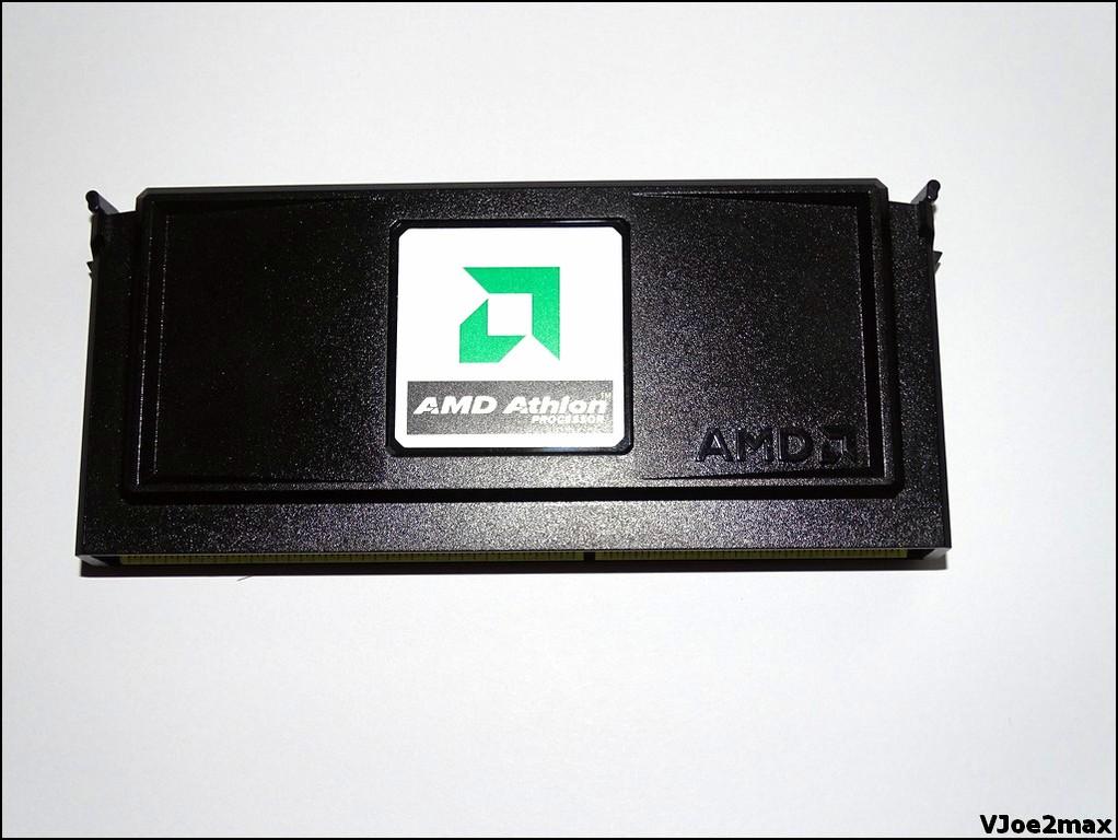 Klicken Sie auf die Grafik für eine größere Ansicht  Name:AMD Athlon 700 SlotA 01.jpg Hits:113 Größe:154,2 KB ID:923828