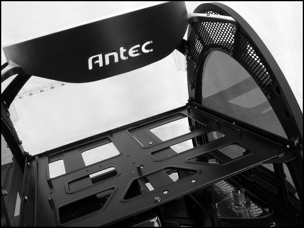 antec-skeleton-black-edition-2-jpg.614807