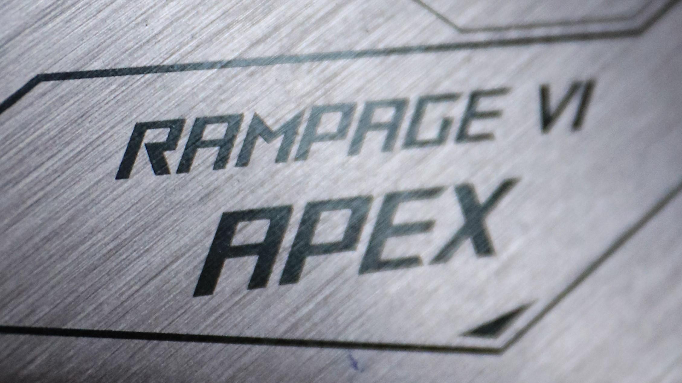 [REVIEW] ASUS Rampage VI APEX-apex.jpg