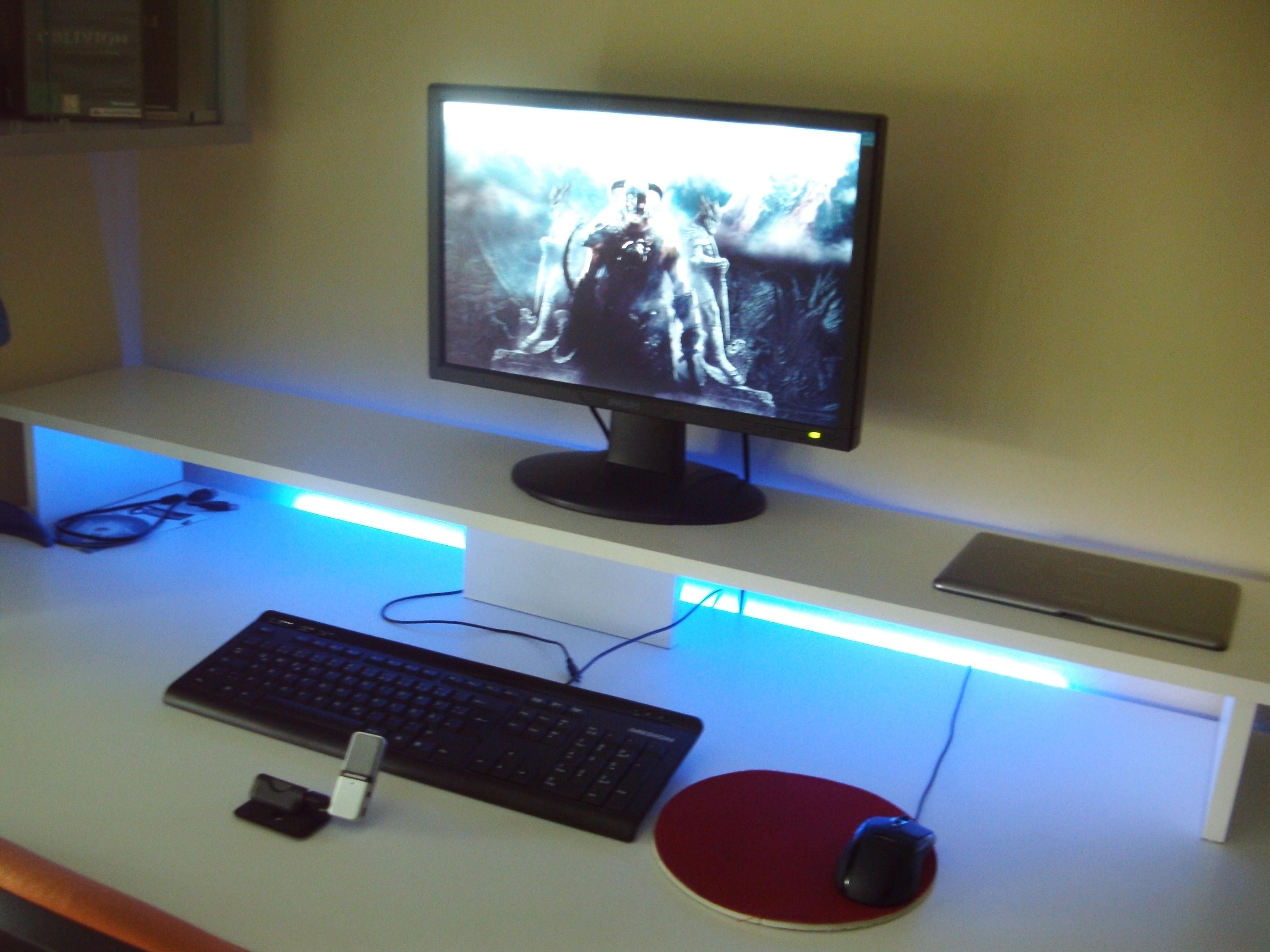Pcgh extreme bilderthread der schreibtisch thread for Schreibtisch 3 monitore