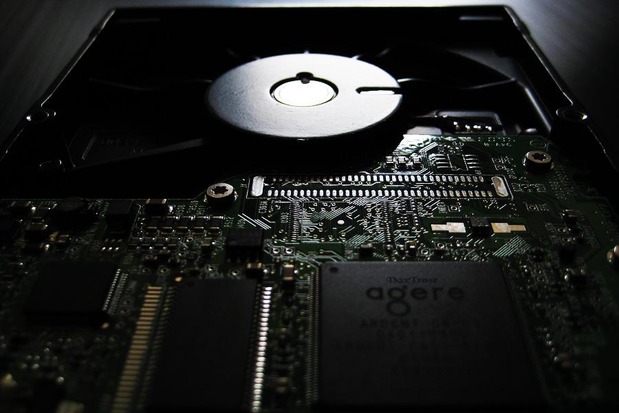 Name:  HDD_03.jpg Hits: 1143 Größe:  183,4 KB