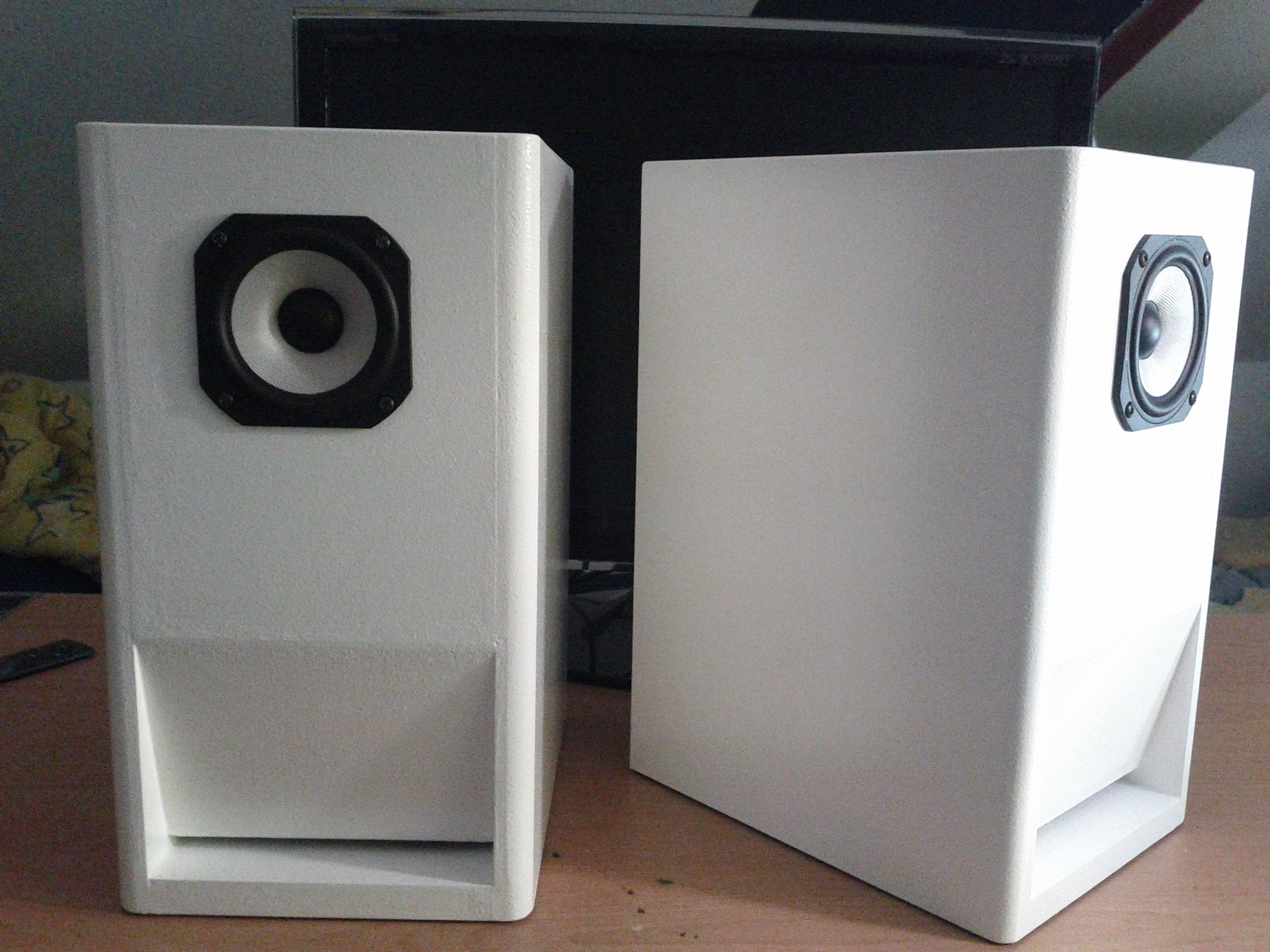baubericht pc lautsprecher. Black Bedroom Furniture Sets. Home Design Ideas