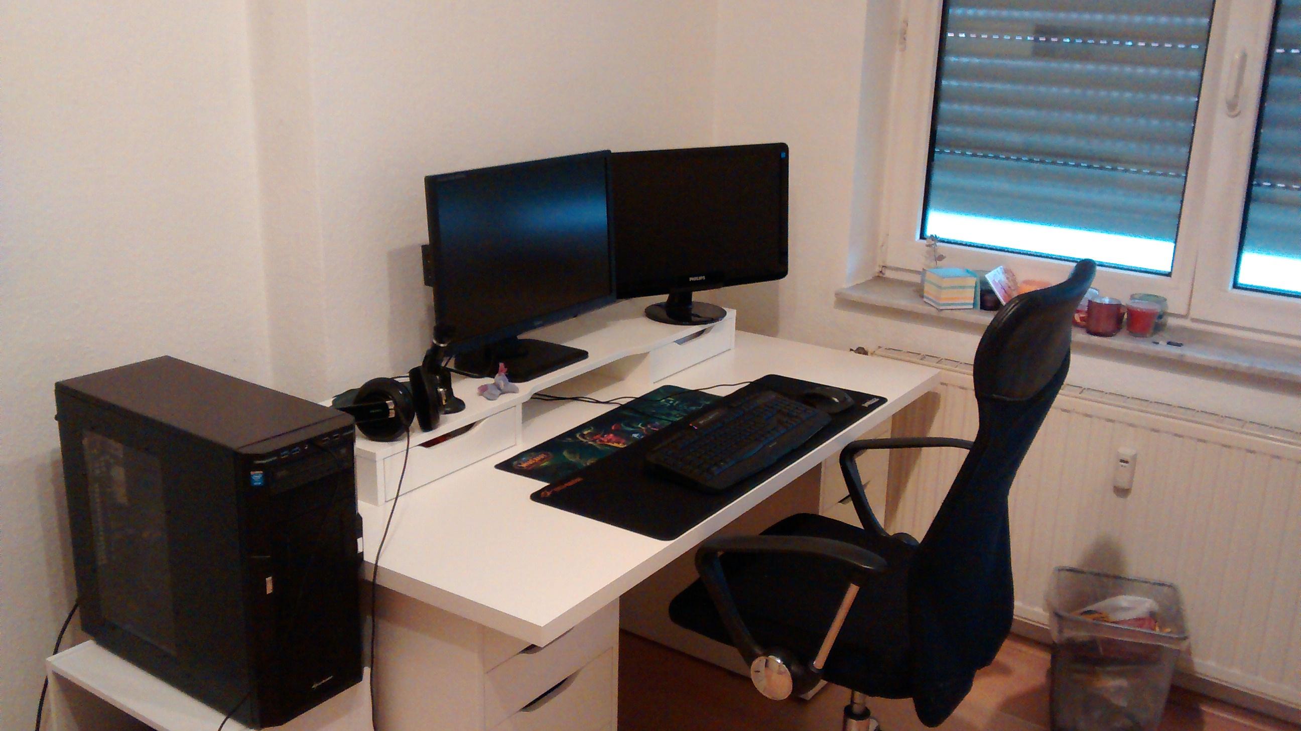 Pc gamer schreibtisch  Schreibtisch