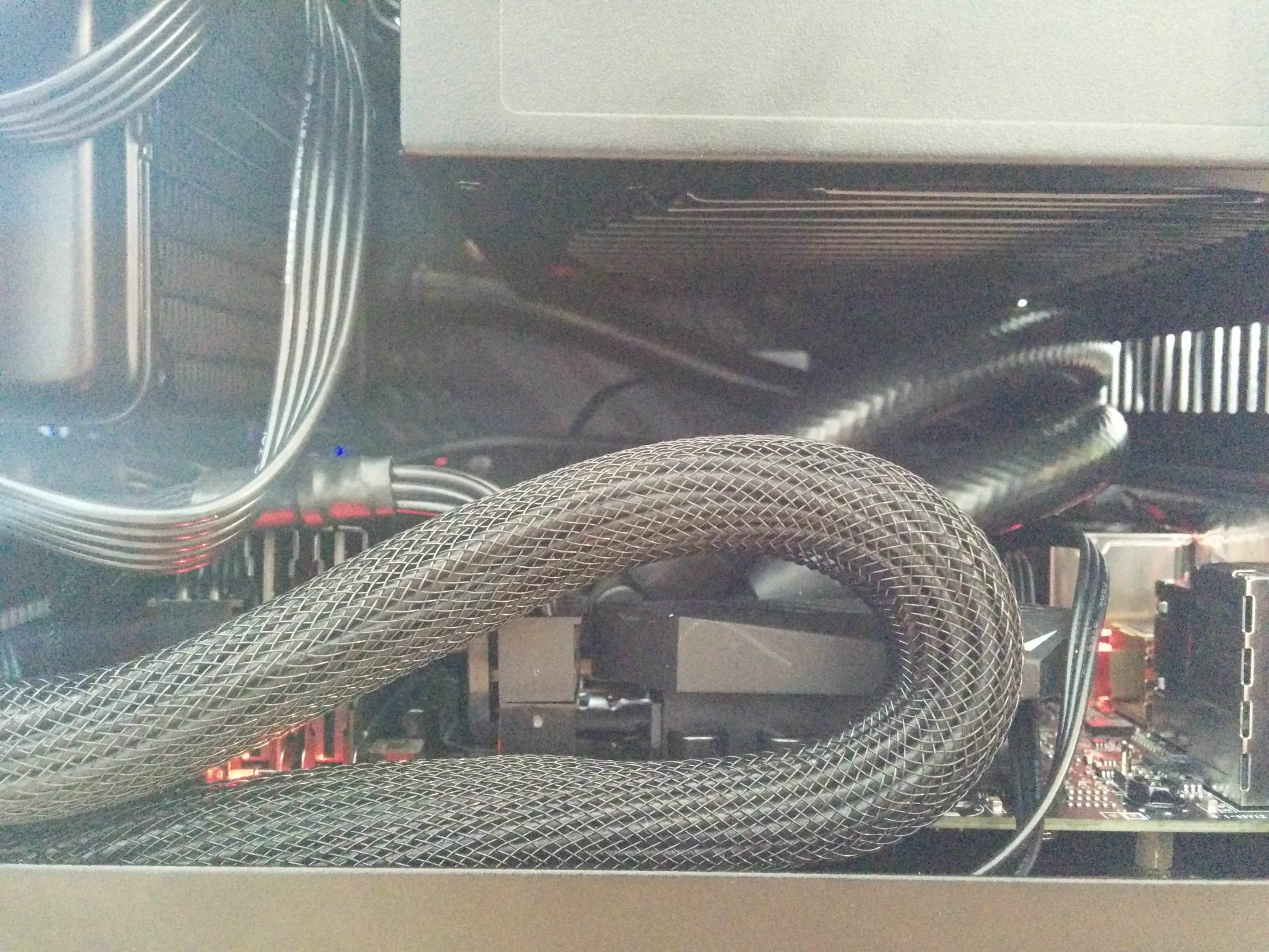 Cooler Master Elite 110 mini-ITX + Zotac GTX 1080 Mini - funktioniert\'s?