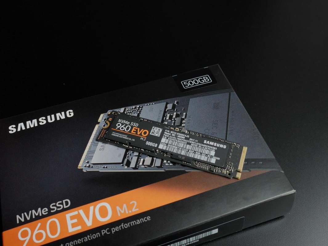 Klicken Sie auf die Grafik für eine größere Ansicht  Name:SSD auf Verpackung.jpg Hits:102 Größe:185,1 KB ID:988317