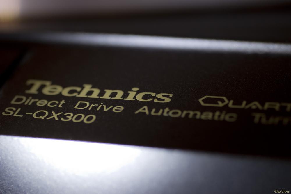Technics_SL-QX 300.jpg