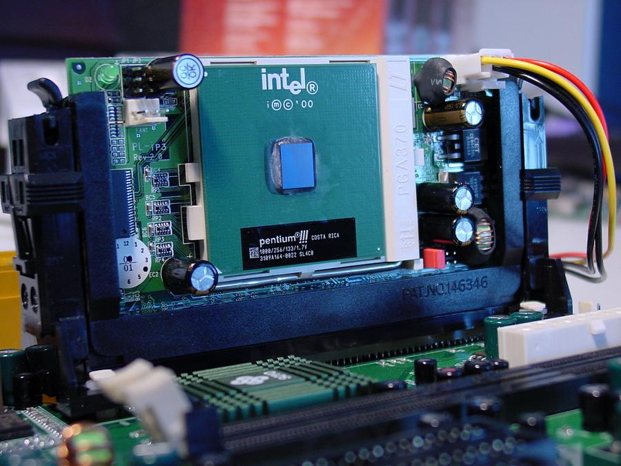 topgrade-adapter-socket-370-to-slot-1-pic1-jpg.1011942