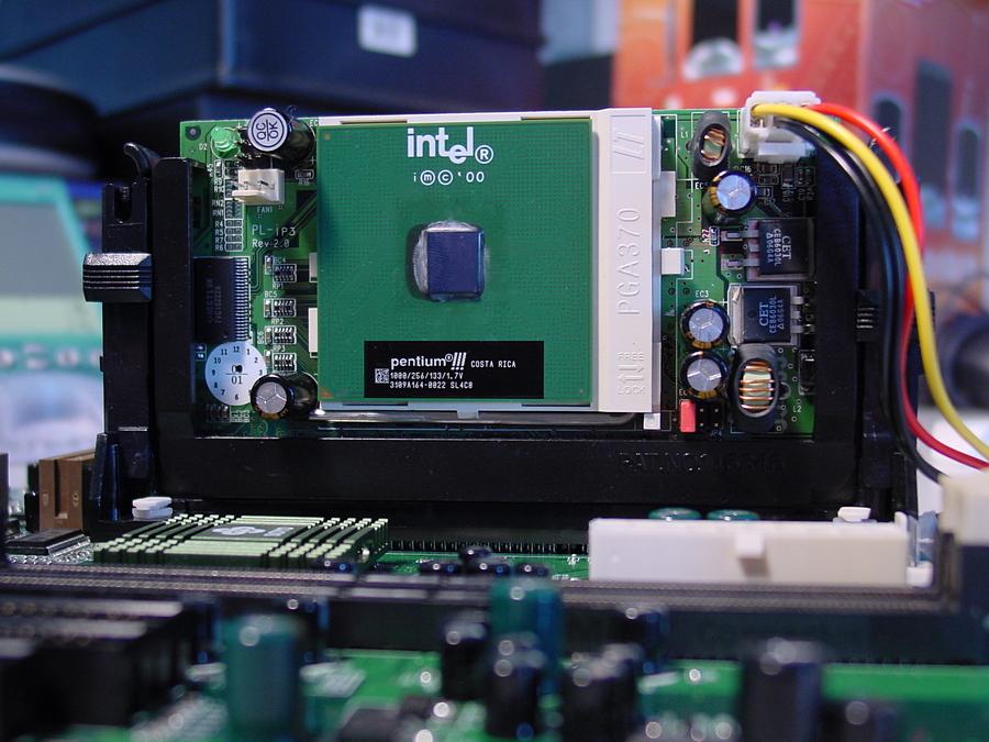 topgrade-adapter-socket-370-to-slot-1-pic2-jpg.1011943